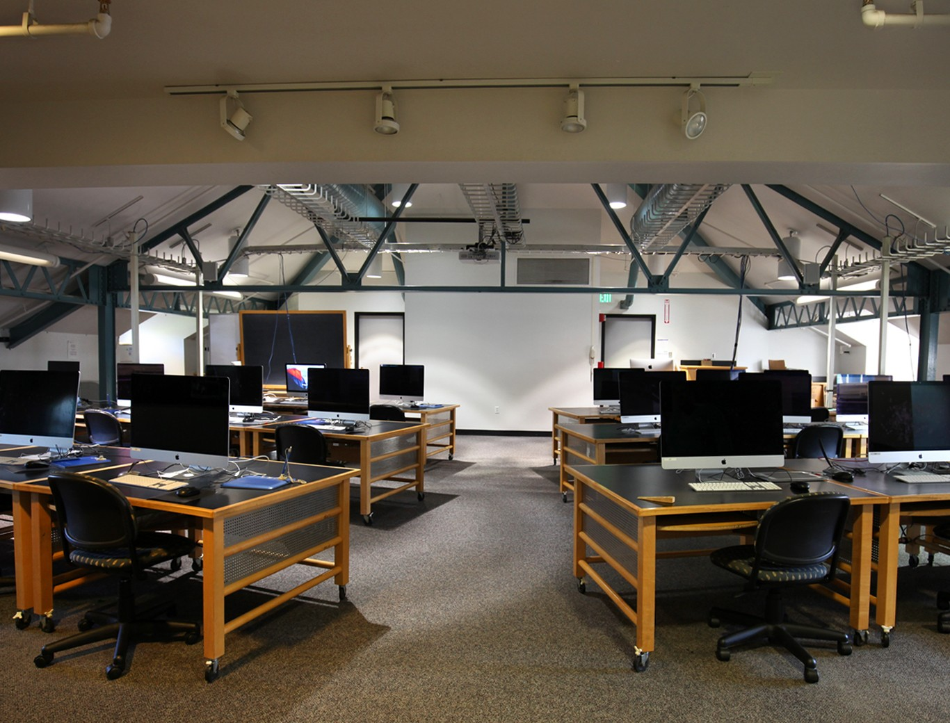 The Digital Arts Design Studio features a state of the art digital media lab offering students a wide variety of instructional space, tools, and equipment to work with.