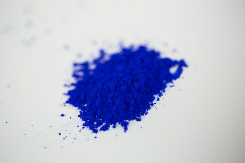 blue color crushed pigment