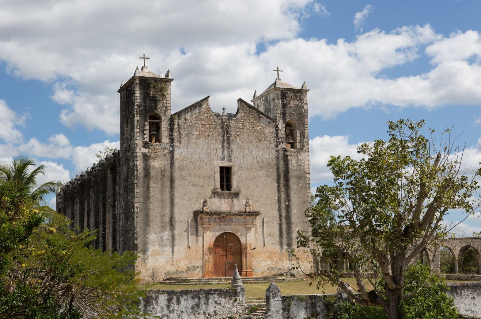Maya Christian Churches in Early Modern Yucatán